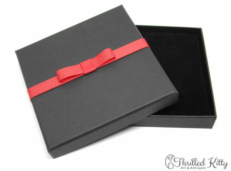 100mm x 100mm Thrilled Kitty Gift Box