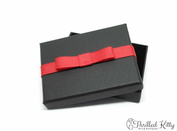75mm x 55mm Thrilled Kitty Gift Box