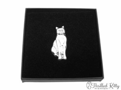 Sitting Cat Lightweight Three-Dimensional Silver Brooch | 1970s