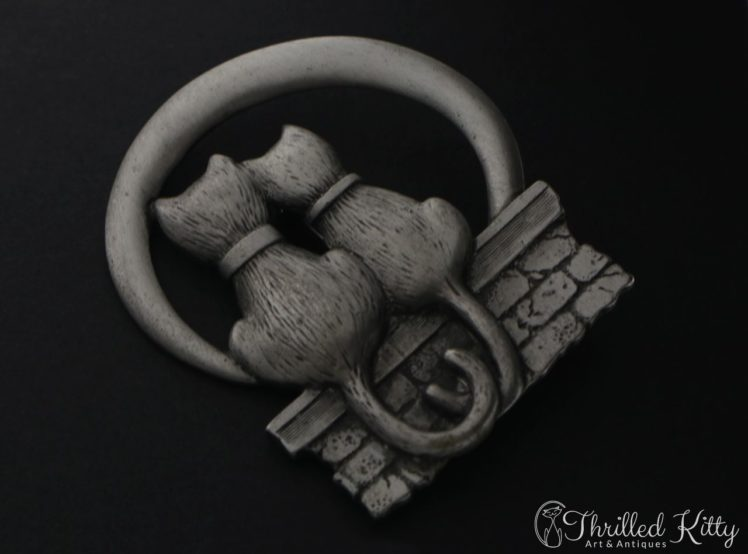 romantic-cats-jonette-pewter-brooch-2