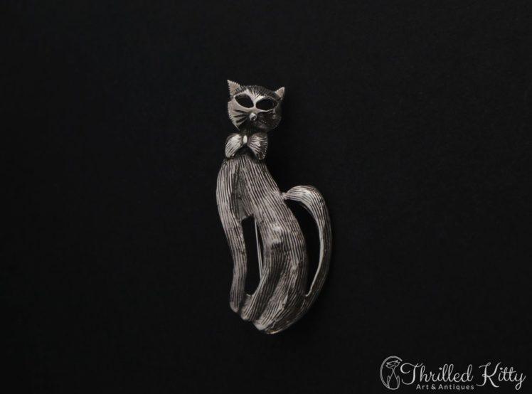 textured-bow-tie-cat-brooch-1