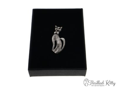 Sitting Bow Tie Cat Brooch | Sterling Silver