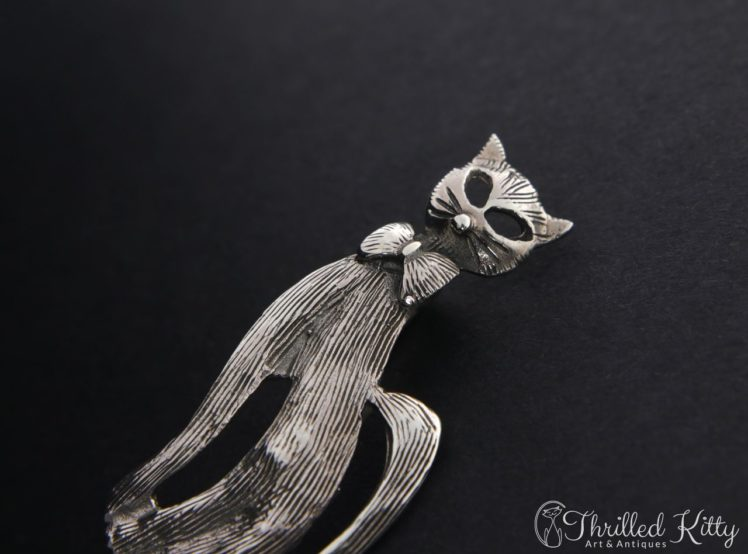 textured-bow-tie-cat-brooch-5